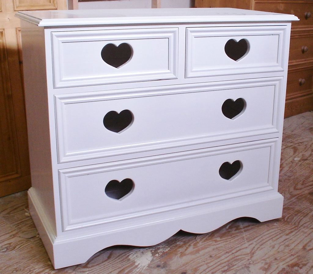 Deanery Heritage2/2 Love Heart Chest of Drawers