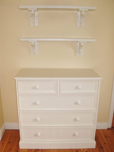 Deanery Heritage 2/3 Chest & Shelving with hand-painted finish