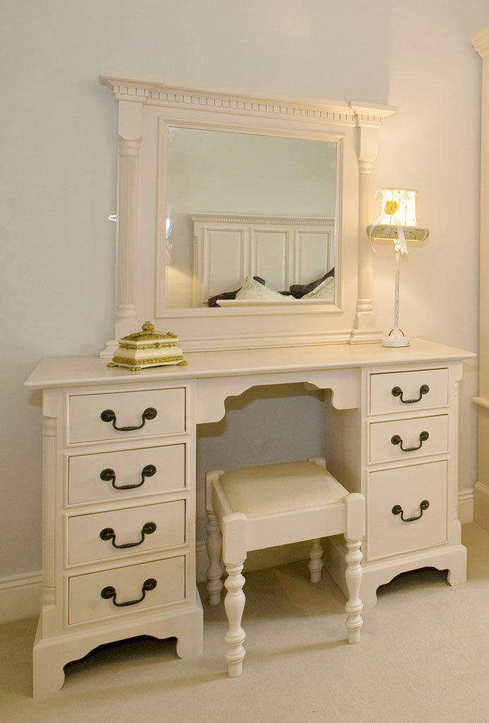 DBD5402 - Deanery Georgian Dressing Table with Mirror