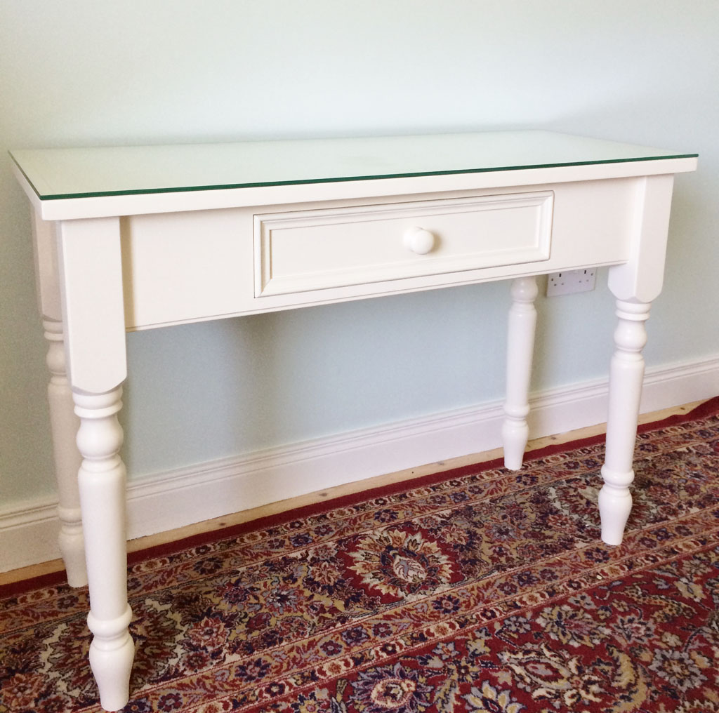 Deanery Heritage Dressing Table with Glass Top
