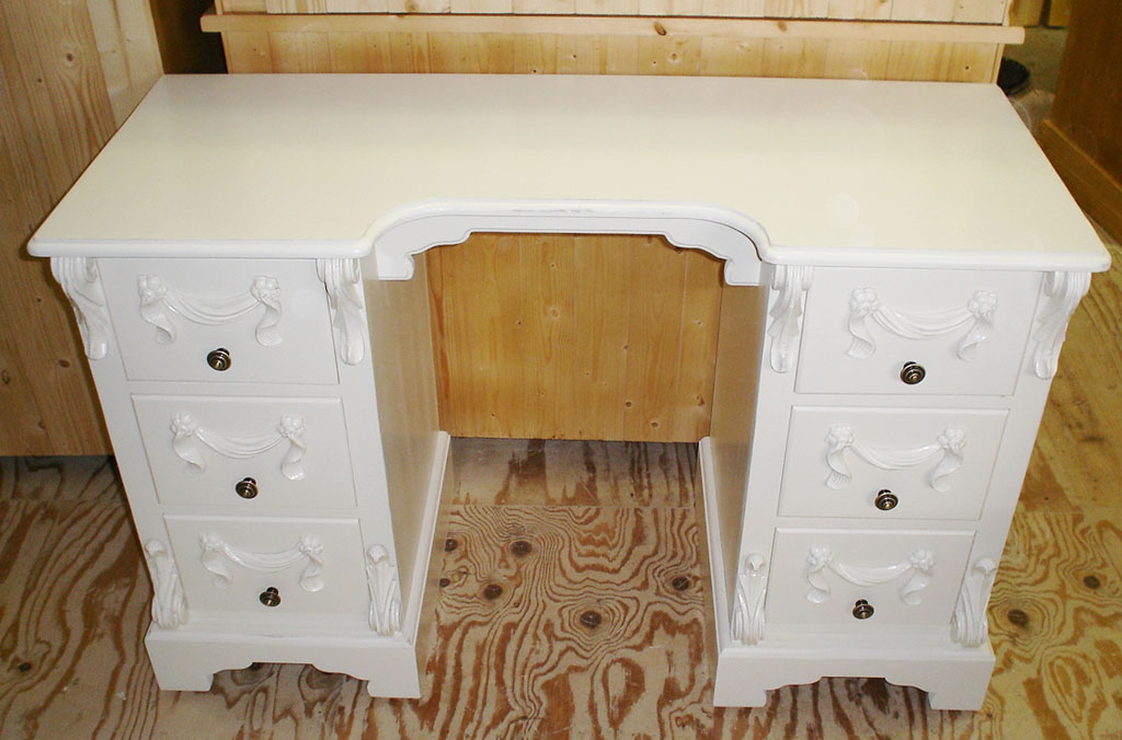 Deanery Bespoke Carved Dressing Table