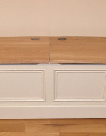 Deanery 5 Door Low Bench with Solid Oak Top and Storage with hand-painted finish