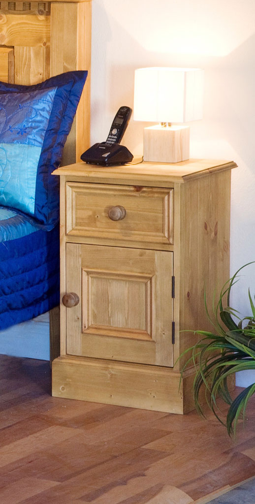 Deanery Brosna Door/Drawer Locker with hand-painted finish