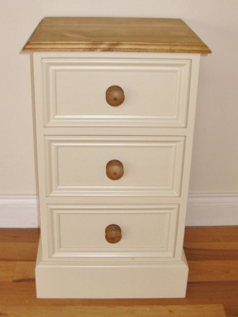 Deanery Heritage 3 Drawer Locker with Wax Pine Top and Knobs