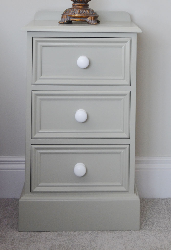 Deanery Heritage 3 Drawer Locker with Painted Knobs and hand-painted finish