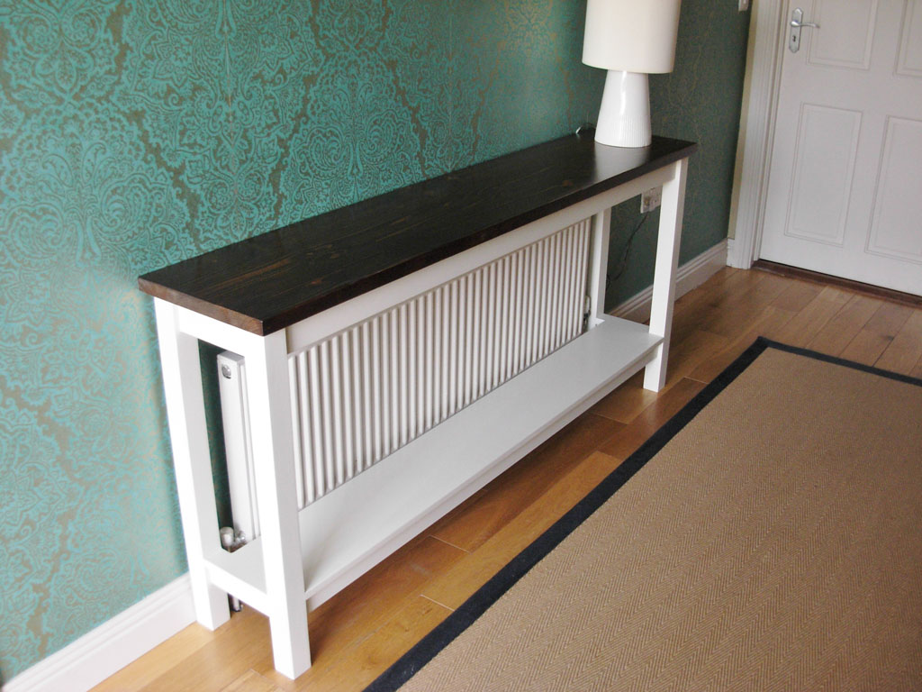 Woodford Hall Table Radiator Cover with Dark Pine Top
