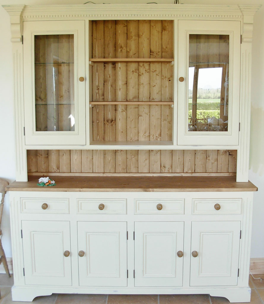Deanery 6ft Ducal Dresser 1 with Pine Top and Hand-painted finish
