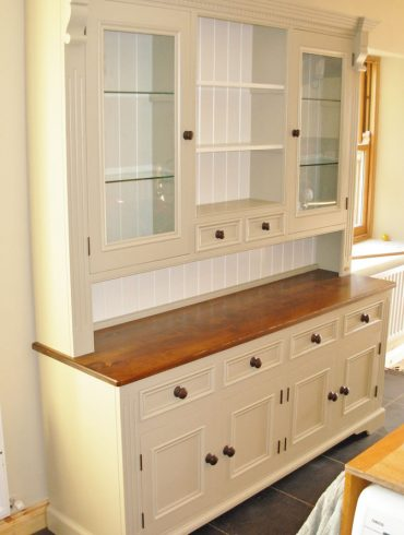Deanery 6ft Ducal Dresser 2 with Pine Top and Hand-painted finish