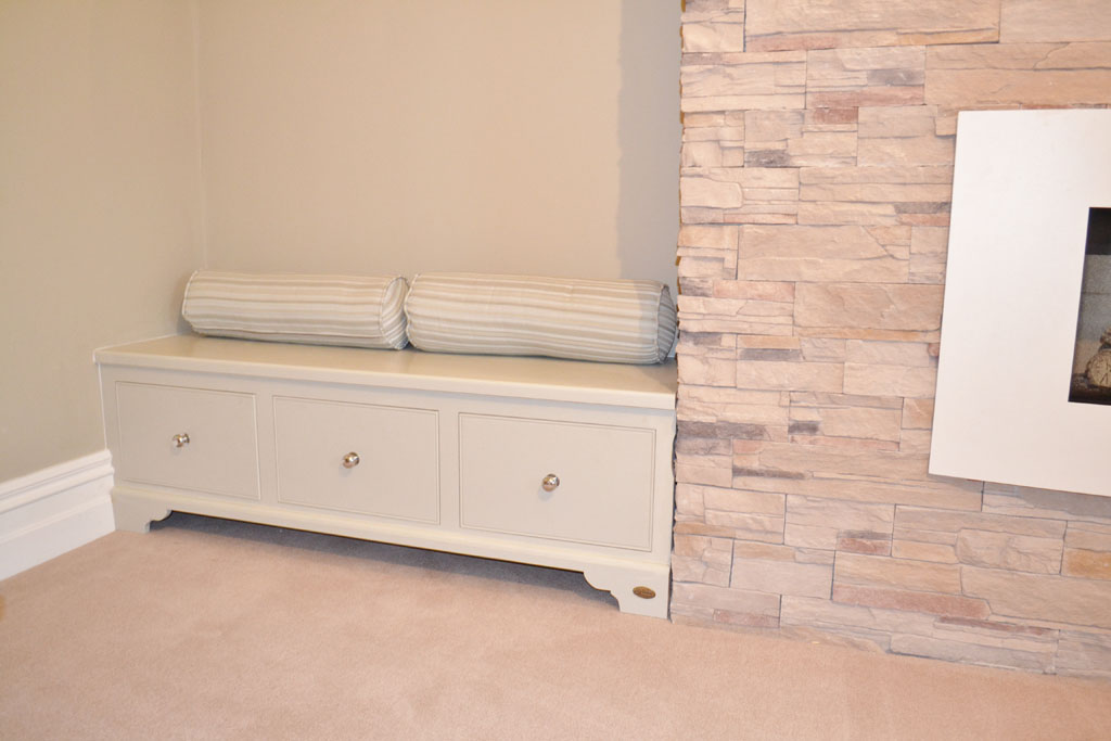 DFF2018 - Deanery Alcove Fitted Bench with Drawer Storage and hand-painted finish