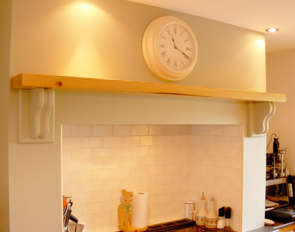 """Deanery Traditional 2"""" Pine Mantle"""