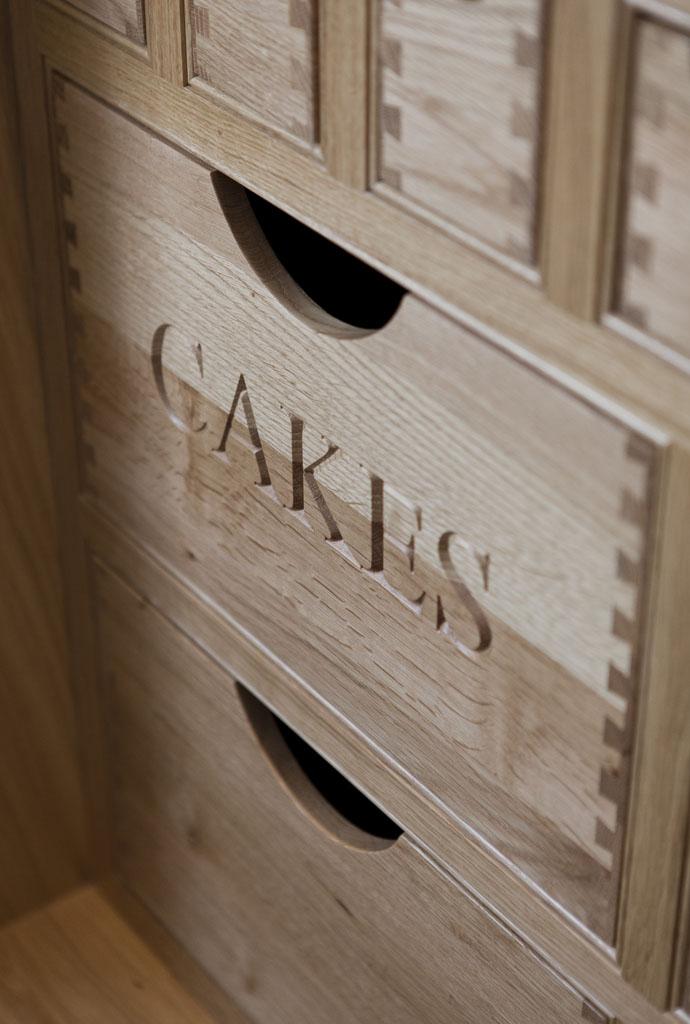 DKL1401 - Deanery In-frame Hand-painted Kitchen Larder