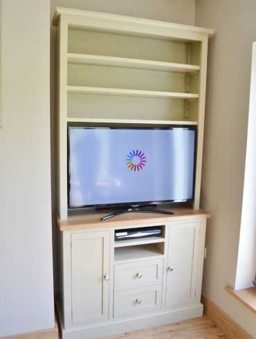 Deanery Charlotte Rose Oak Top Media Unit with hand-painted finish