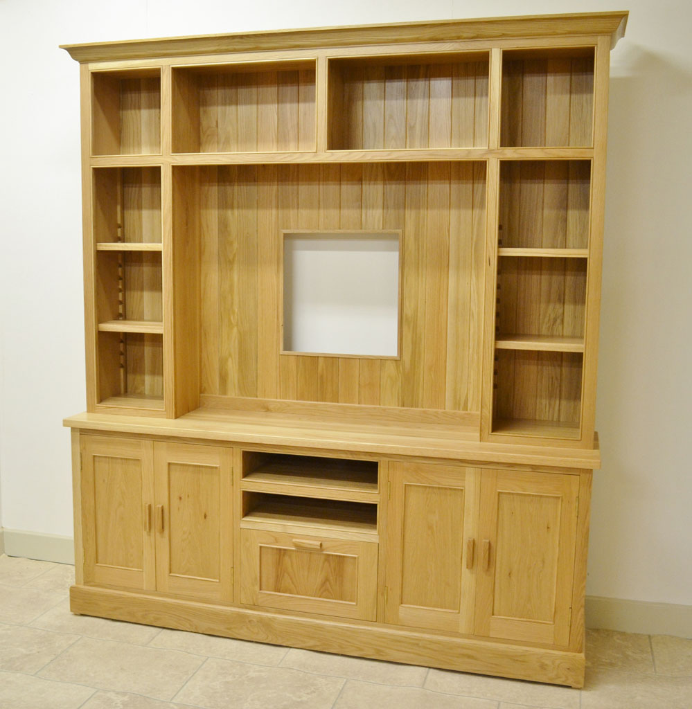 Deanery Woodford Large Oak TV/Media Display Unit