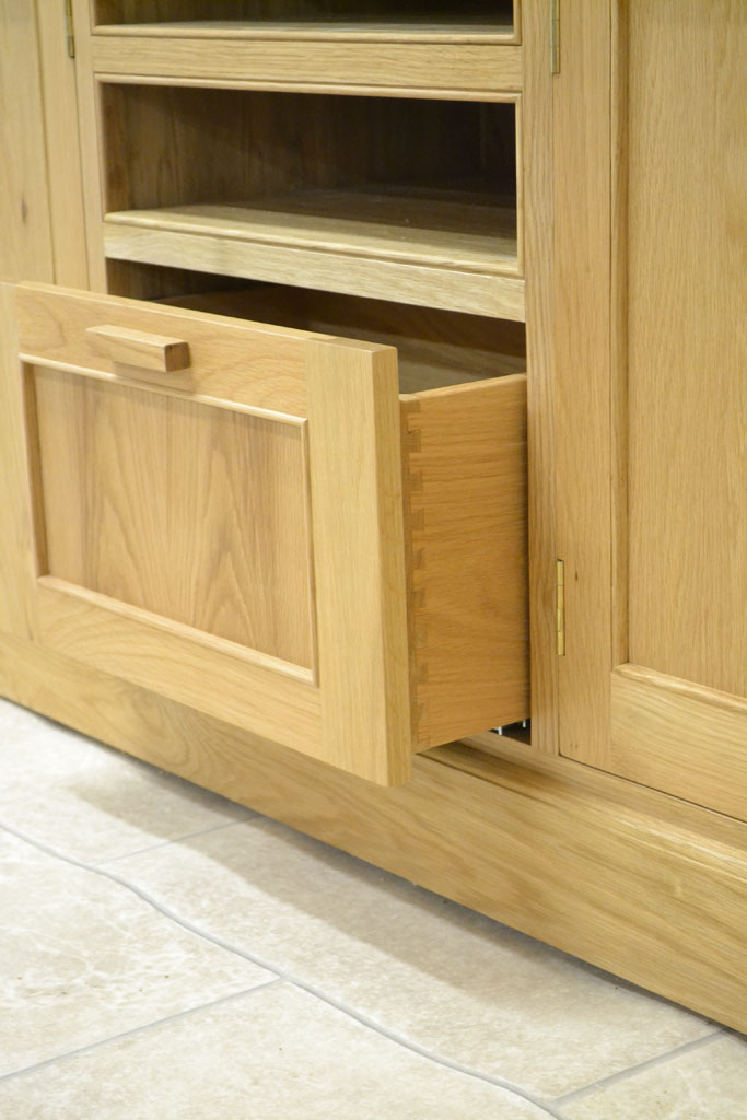 Deanery Woodford Large Oak Tv Media Display Unit Deanery