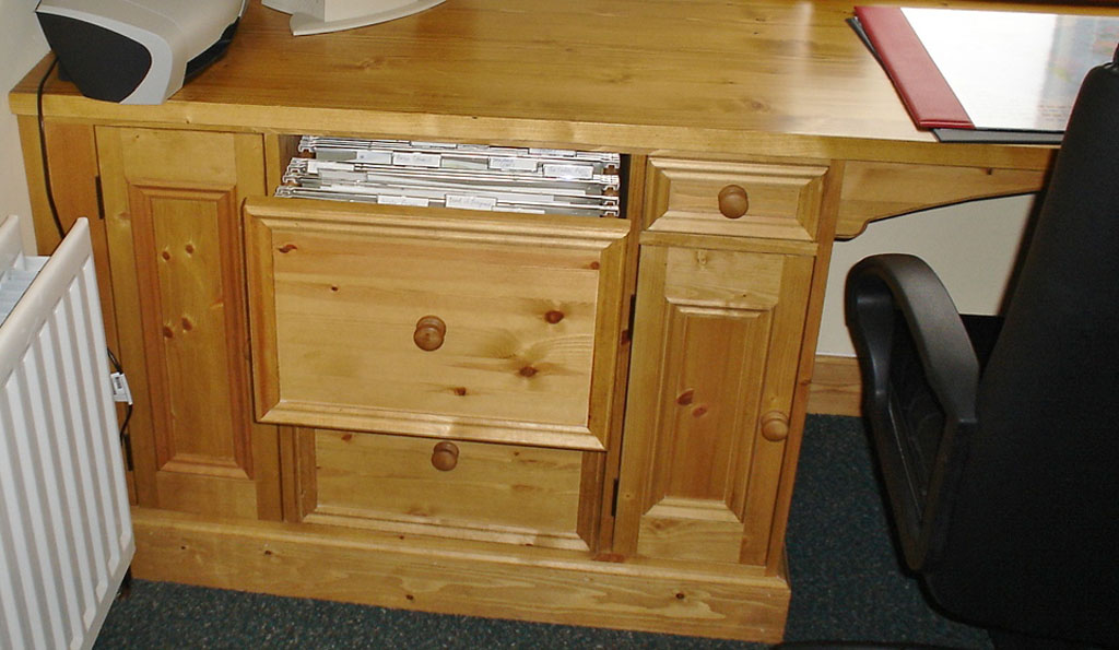 DOF7510 - Deanery Bespoke Pine Study Room