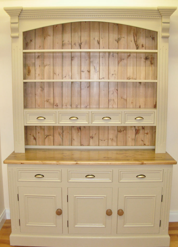 Deanery 5ft Spice Dresser with Pine Top and Hand-painted finish