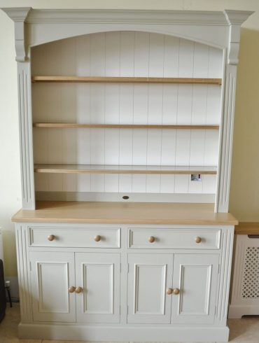 Deanery 5ft Spice Dresser with Oak Top and Shelving and hand-painted finish