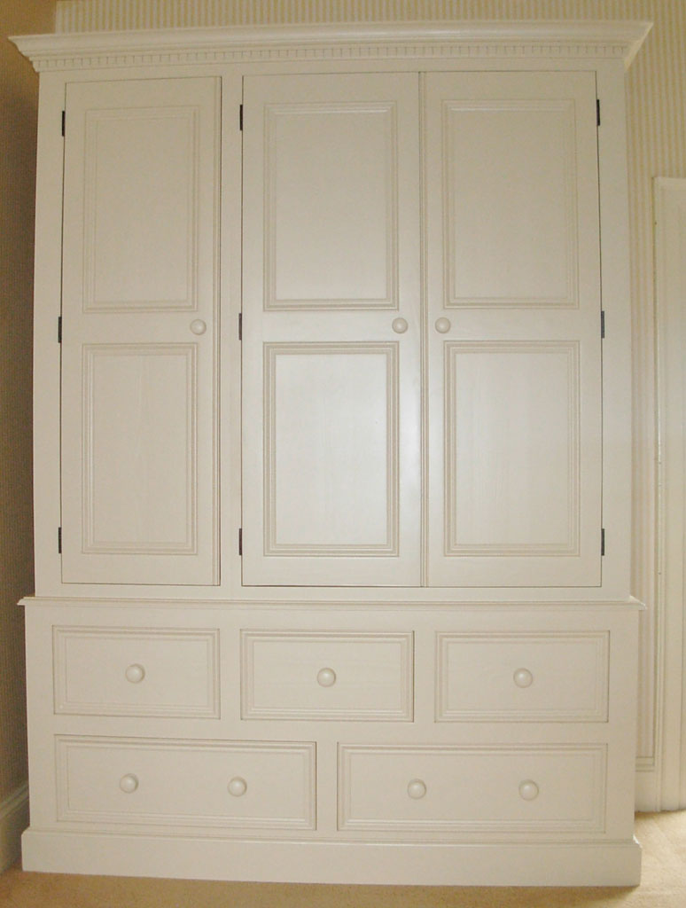 DWR5103 - Deanery Heritage 5ft Wardrobe with hand-painted finish