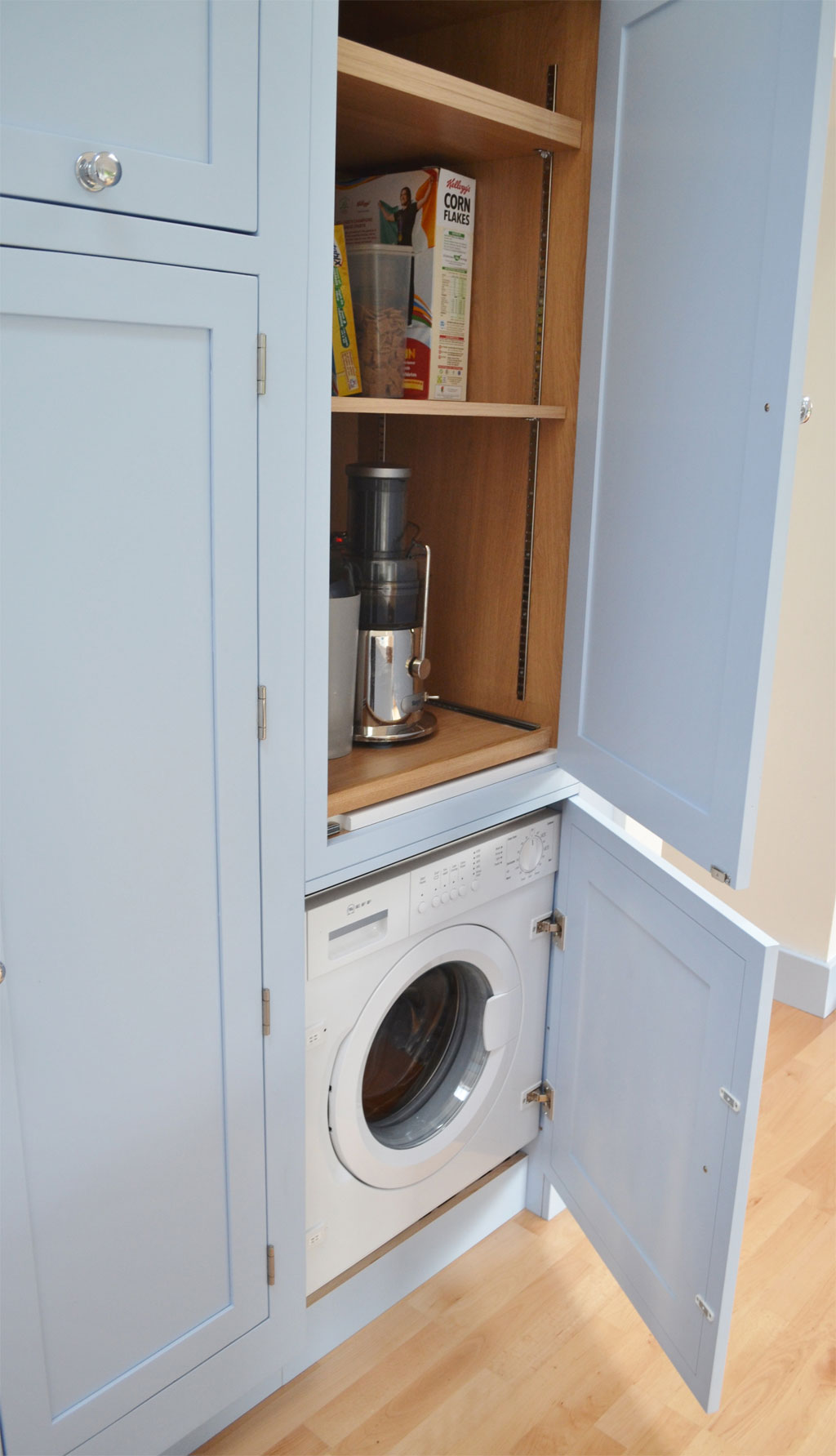 DLC1050 - Deanery Shaker Style Kitchen