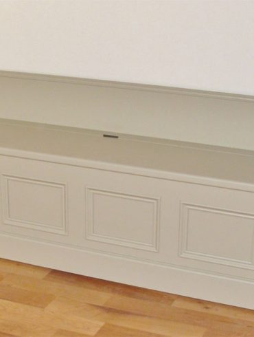 Deanery Low Monks Bench with Storage Compartment and hand-painted finish