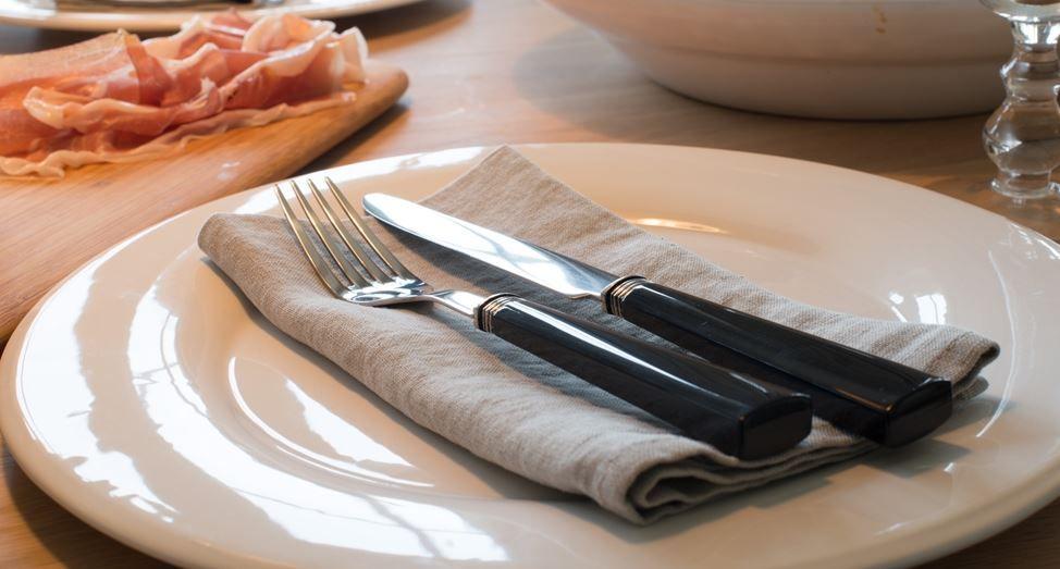 DCA92026 - Barton 24 piece cutlery set