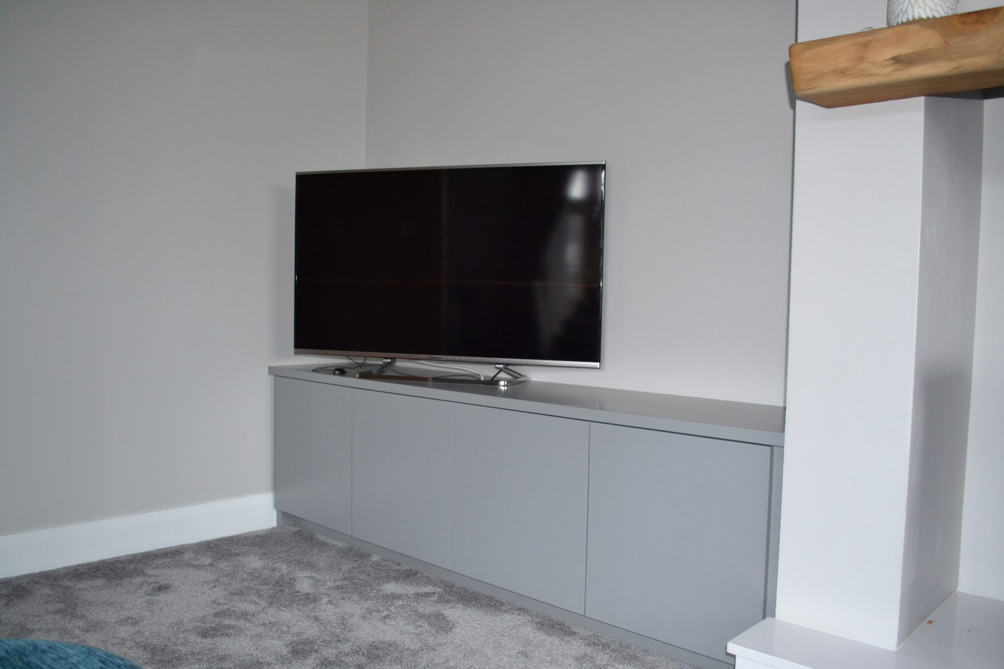 Contemporary handless TV Cabinet (1)1