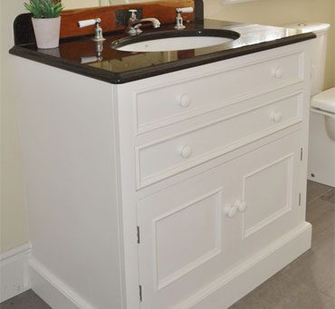 Under-mounted Washstands